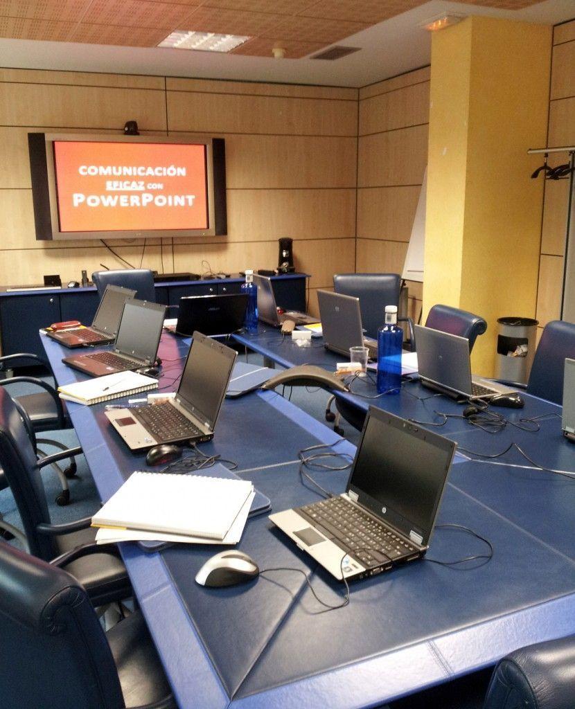 Sala del curso en la agencia de medios Carat