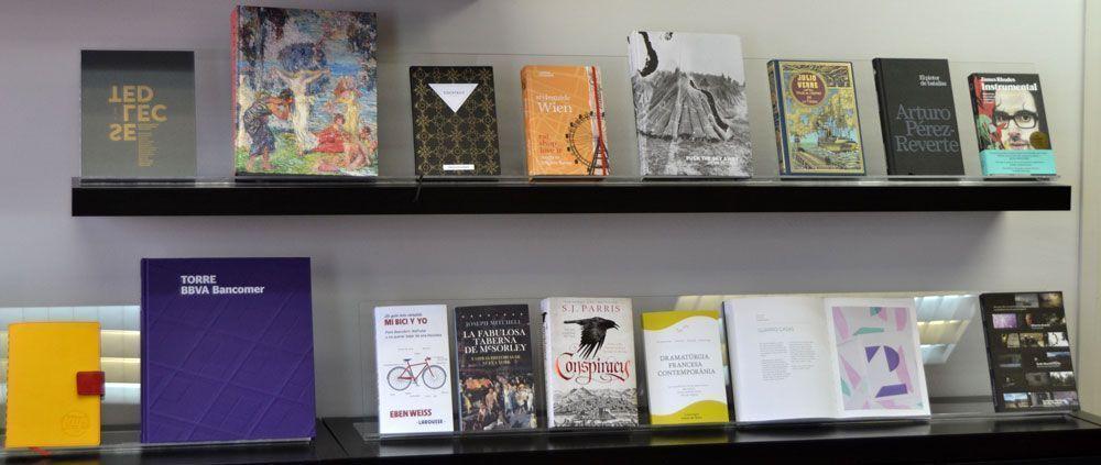 Libros fabricados con diferentes papeles de Guarro Casas