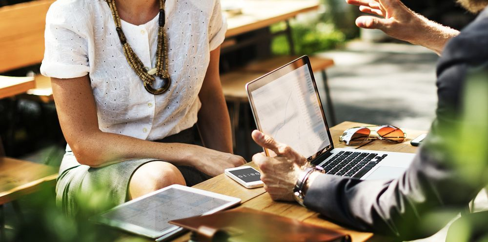 Cómo gestionar y producir libros para empresas y otras entidades